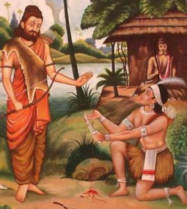 eklavya offering his thumb to dronacharya - CollegeMarker